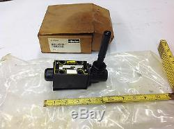 Parker D1VL001CN Lever Operated Hydraulic Directional Valve Closed-Spool NEW