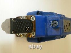 Rexroth 0811404438 / 4WRLE 27 Q4-430M-30/G24ETKOA1M Hydraulic Directional Valve
