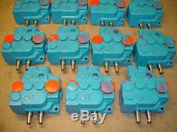 Vickers CMD41P25DT10 2 Spool Hydraulic Directional Control Valve 730625 326770