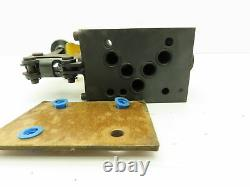 Vickers DG17V4-016N-10 Hydraulic Directional Control Hand Lever Valve 4-Way D05