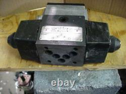Vickers hydraulic 02-120081 directional solenoid valve PA5DG4S4L-018C-B-60