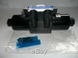 Yuken Spool-Style 2 Hydraulic Directional Control Valve 31 GPM, 4570 PSI, 70298