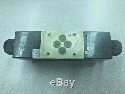 Bosch Rexroth Hydraulique De Commande Directionnelle Valve 4we6e62 / Ew110n9k4 / 6 R978017737