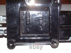 Chargeuse Tracteur À Soupape De Commande Directionnelle Hydraulique, Prince Mfg. 3135, C-680