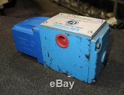 Vickers Dg4s4 012b Wb 50 Hydraulique Valve Nouveau Directionnel